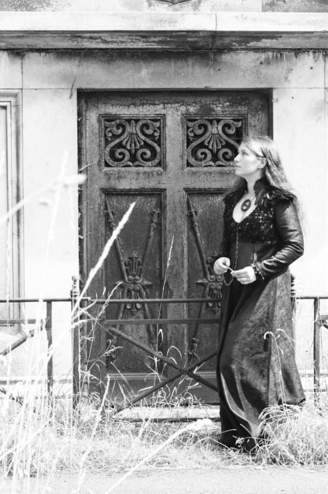Eva in her Sansa Lannister Gown