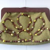 apple-seed-handbag